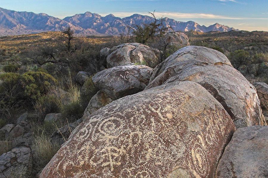 900x600-master_0020_Tortolita Mountains Petroglyphs Henry Wallace